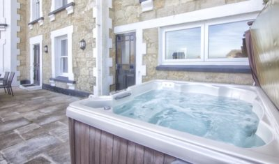 Apartments with Hot Tubs, Shanklin Villa Luxury Self Catering Holiday Apartments, Isle of Wight