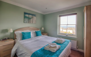 Cromwell_double_bed Shanklin Villa Luxury Self Catering Holiday Apartments, Isle of Wight
