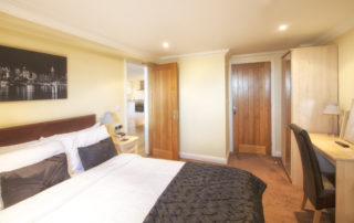 Mountbatten_Garden_Double_Bedroom.Shanklin Villa Luxury Self Catering Holiday Apartments, Isle of Wight.