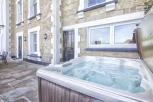 Mountbatten_Hot_Tub.Shanklin Villa Luxury Self Catering Holiday Apartments, Isle of Wight.