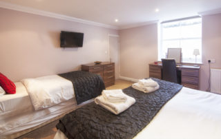 Mountbatten_Master_Bed. Shanklin Villa Luxury Self Catering Holiday Apartments, Isle of Wight. jpg